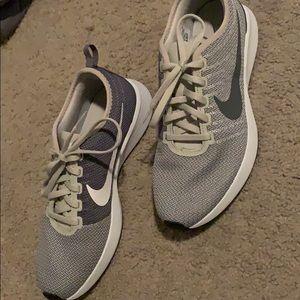 Nike sz 8 womens